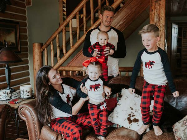 Easy Christmas Eve Activities To Create Family Traditions Polishsitters